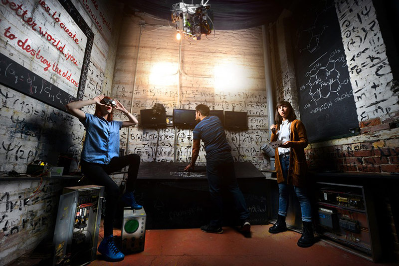 A Maze Real Life Escape Game In Montreal Search Solve